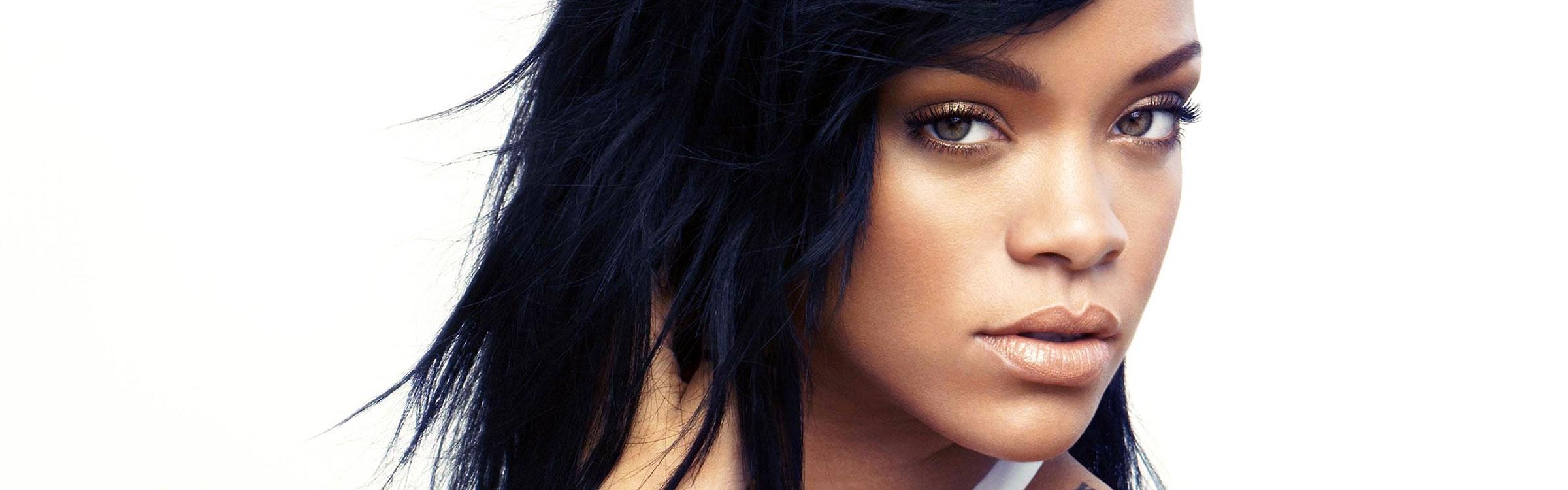 Rihanna 2014 wide