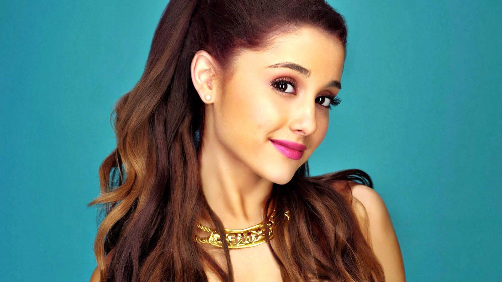 Ariana thumb