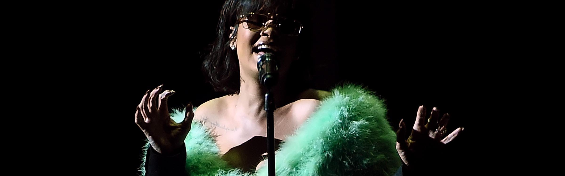 Rihanna 03303