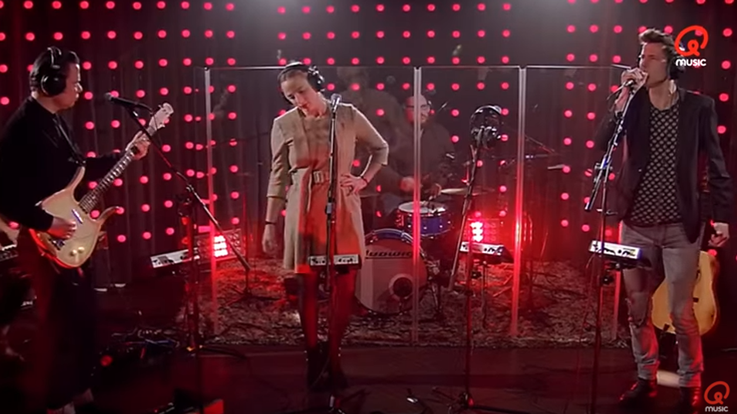Hooverphonic qmusic youtube2400x1350
