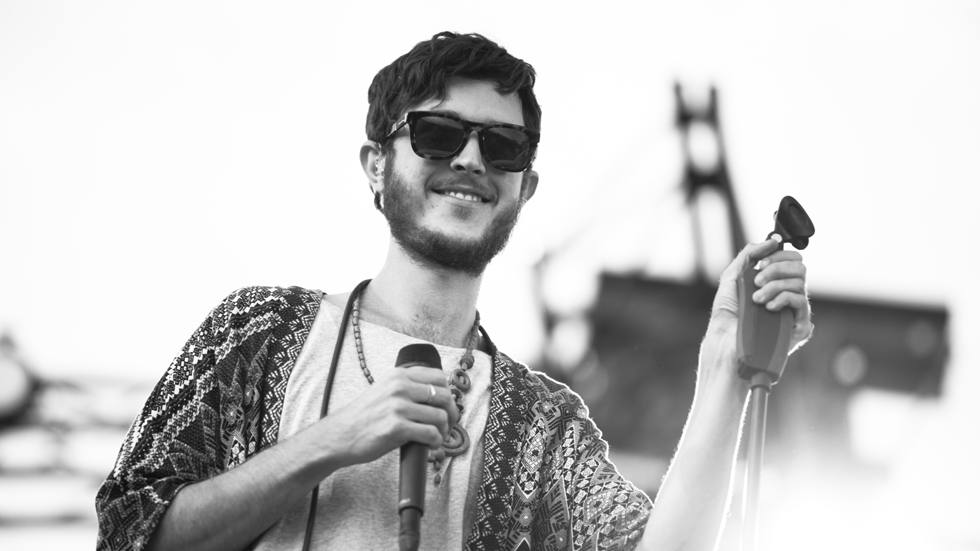 1 as well Pukkelpop 2016 Dit Vond U Van Oscar And The Wolf Video En Fotospecial besides Oscar And The Wolf additionally Are You Ambitious And Talented Want To Be e The New Resident Dj At The Dominican furthermore Oscar And The Wolf Overview. on oscar and the wolf max colombie