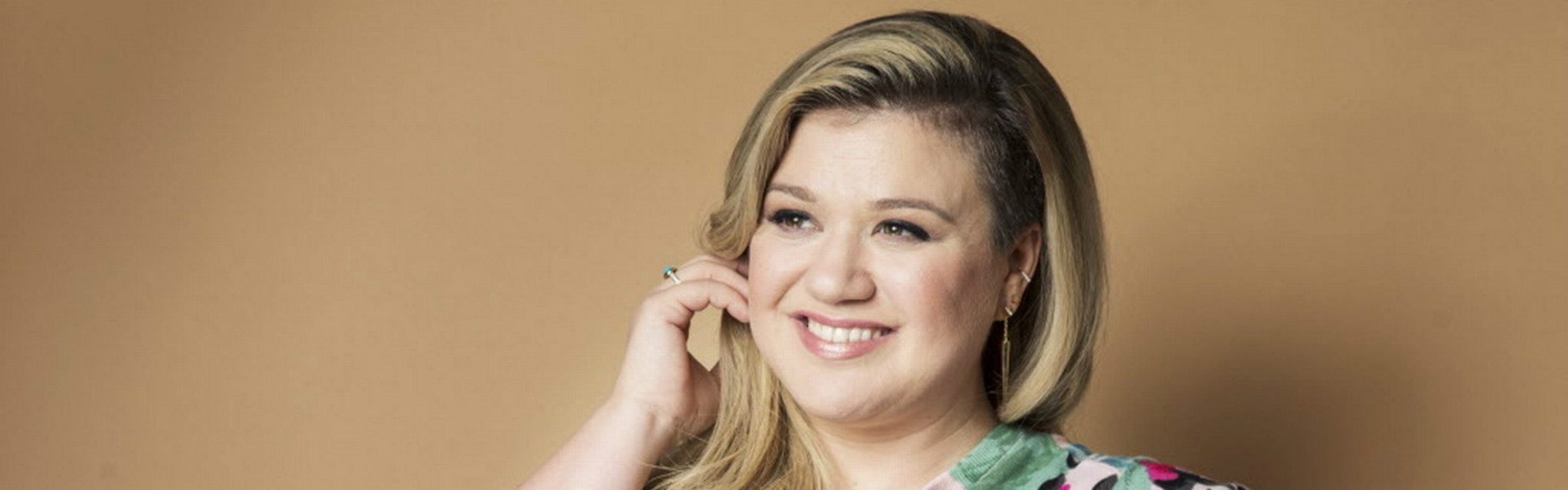 Kelly clarkson header