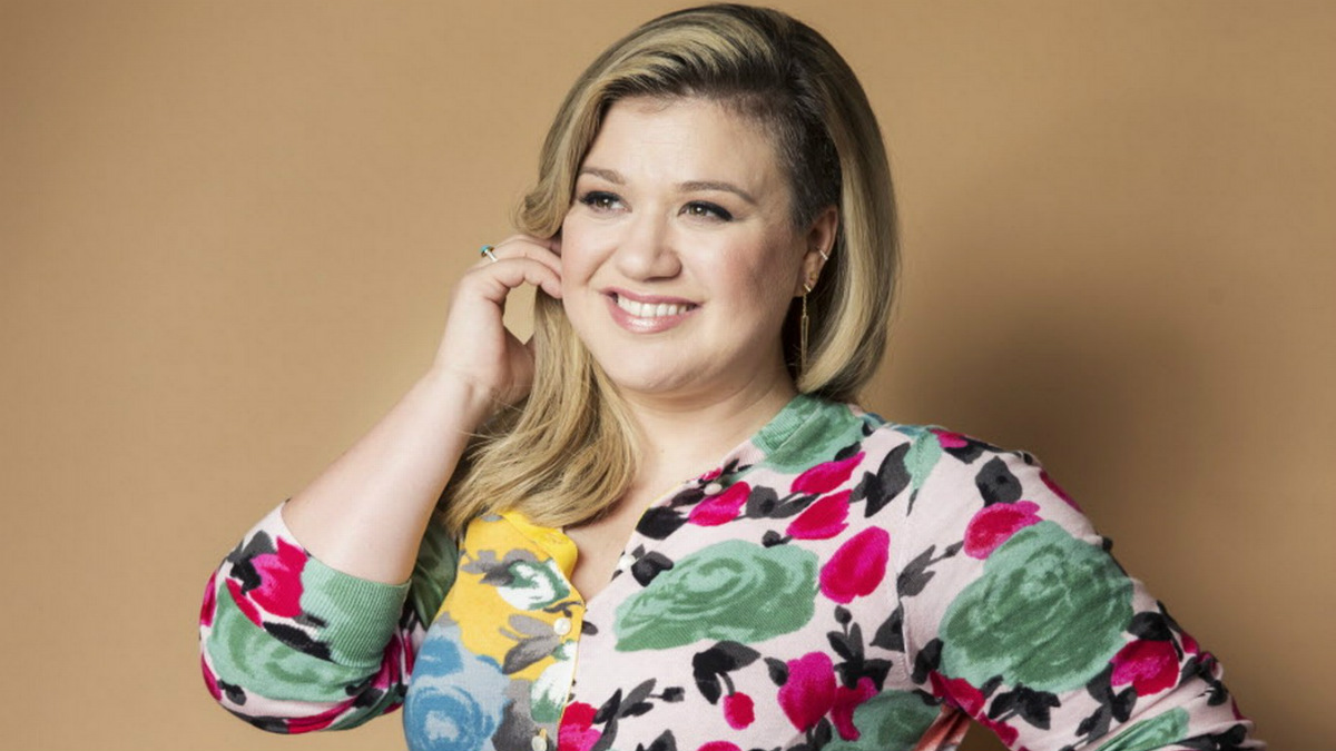 Kelly clarkson thumb