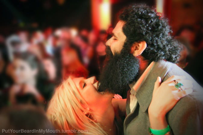 Kesha eating beard