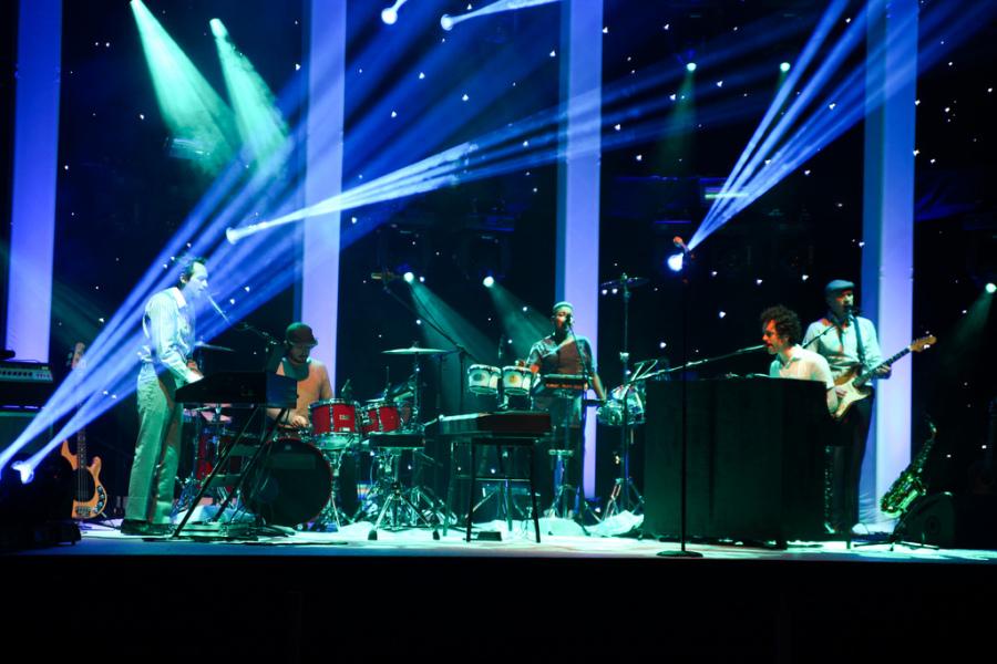 20121930 showcase mika 01