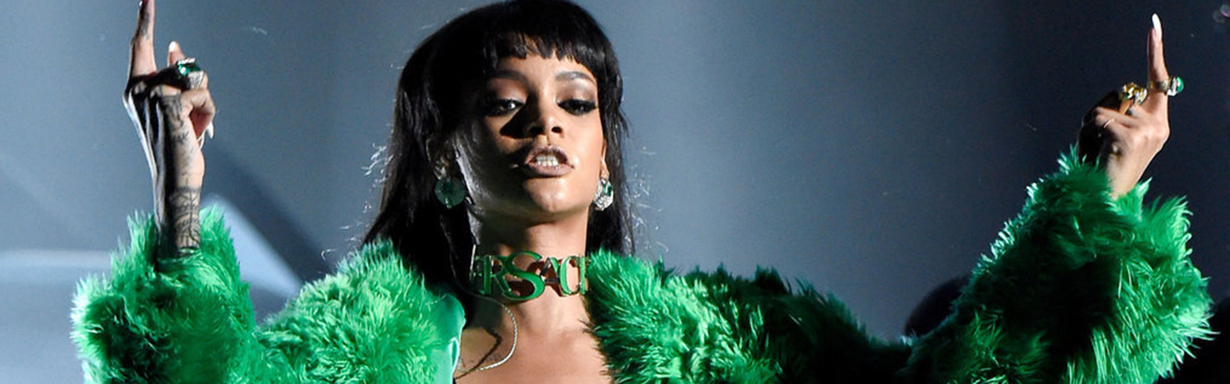 Rihanna iheart radio music awards 2015