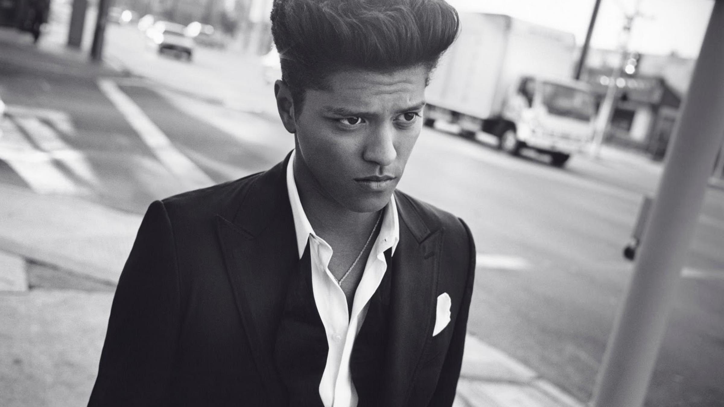 Bruno naakt teaser